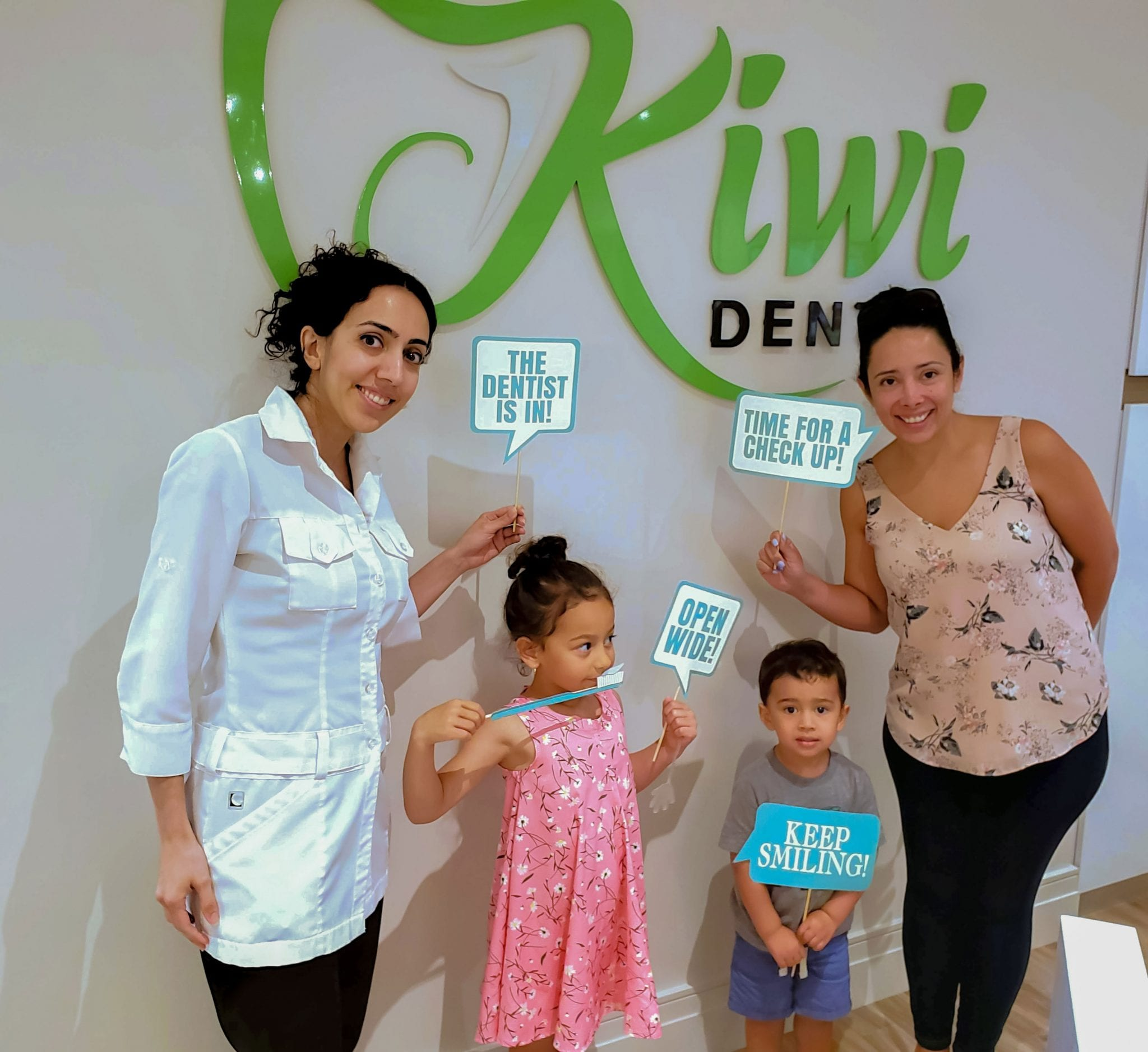 Kiwi Dental Office Family